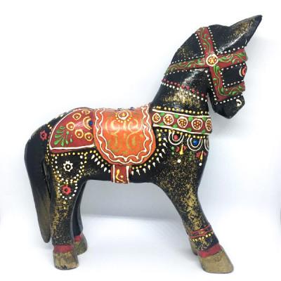 Лошадка из дерева с росписью, Индия