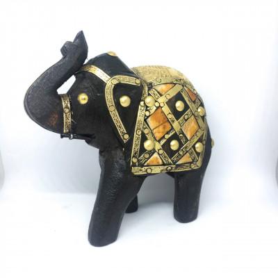Деревянный слоник в подарок, Индия