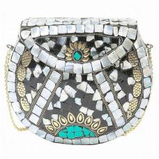 Этно-сумка на цепочке с натуральными камнями